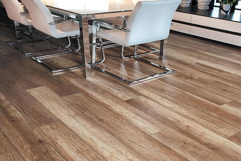 Jak ułożyć panele podłogowe?
